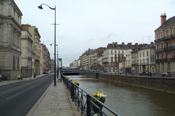 как приехать во Францию на ПМЖ