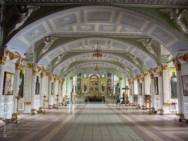 Трапезная Знаменского собора