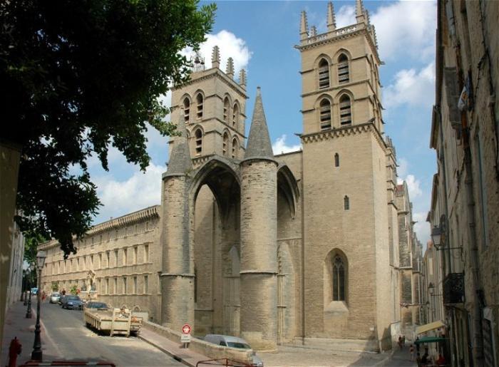 Кафедральный собор Сен-Пьер, Монпелье - достопримечательности Монпелье