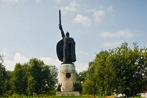 Памятник Илье Муромцу, одна из достопримечательностей города Муром