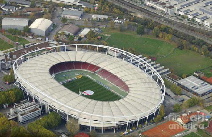 Стадион футбольного клуба Штутгарт
