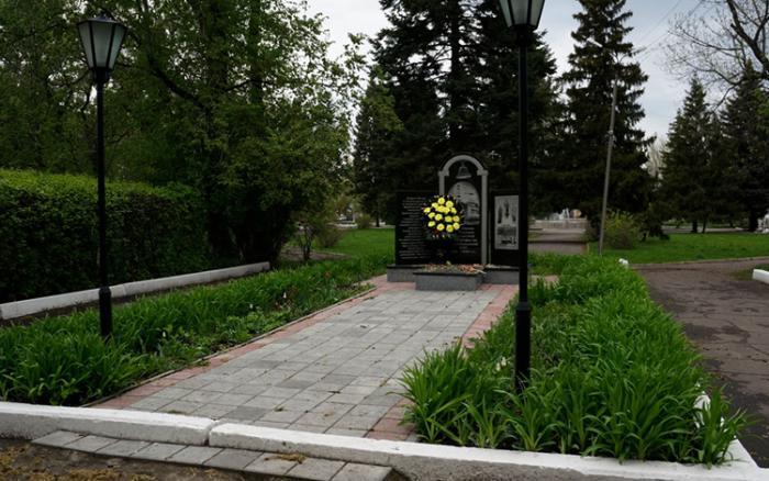 Памятник в честь ликвидаторов последствий на Чернобыльской АЭС