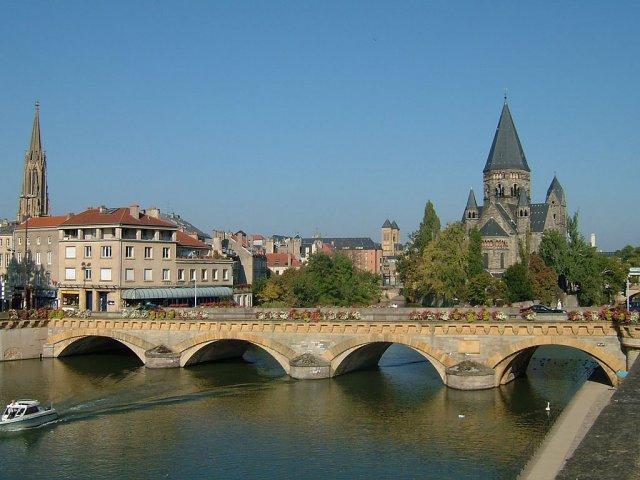 2-2 Metz_Pont_Moyen.JPG