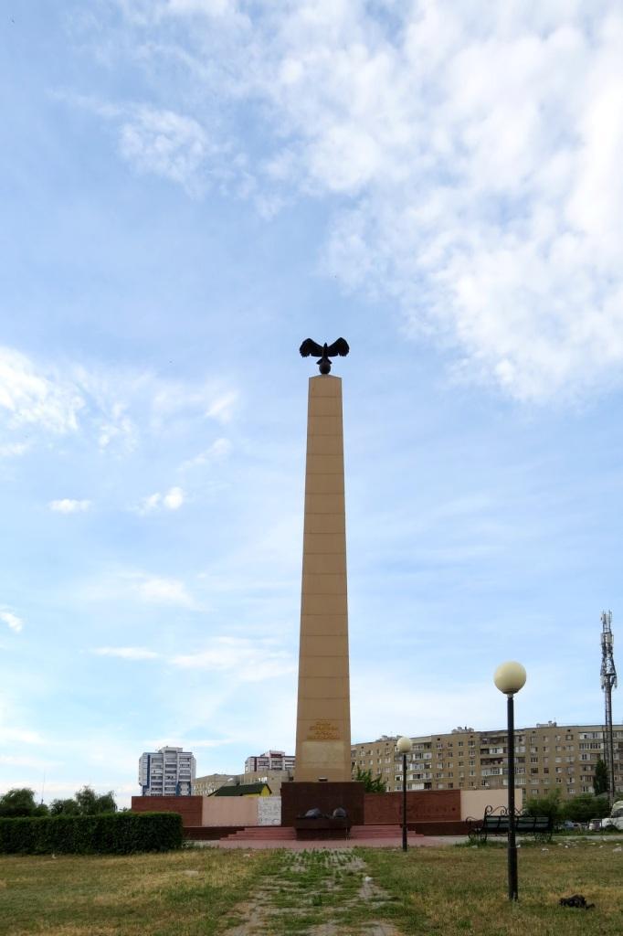 Волгодонск, новый город, памятник строителям Волгодонска