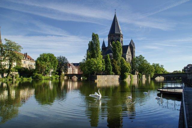 4 Temple_Neuf_de_Metz_und_Pont_des_Roches_0.jpg