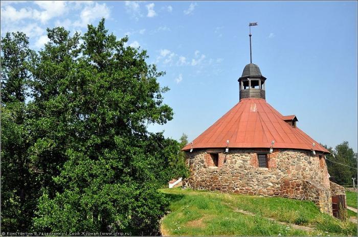 Крепость Корела башня