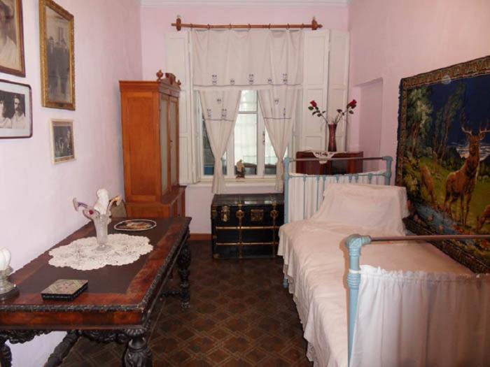 Дом-музей Шмелева И.С. внутри