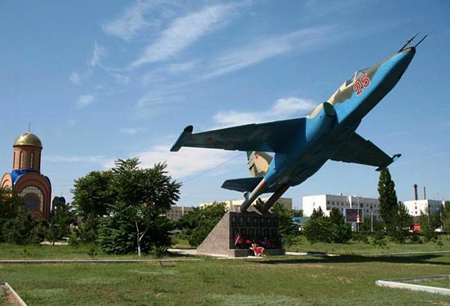 Памятник воинам-штурмовикам