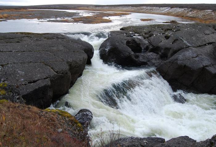 Водопад на реке Хальмерь-ю