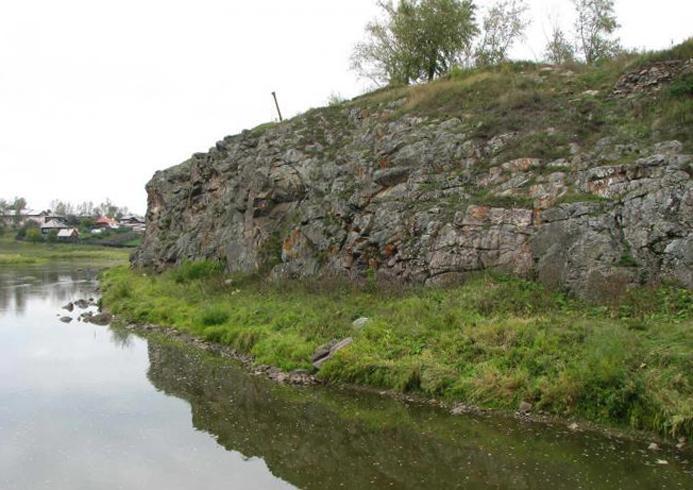 Троицкий камень