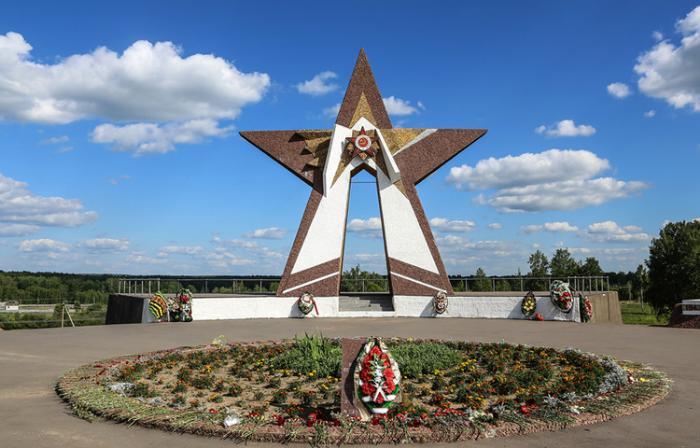 «Курган Славы» и «Поле Памяти»