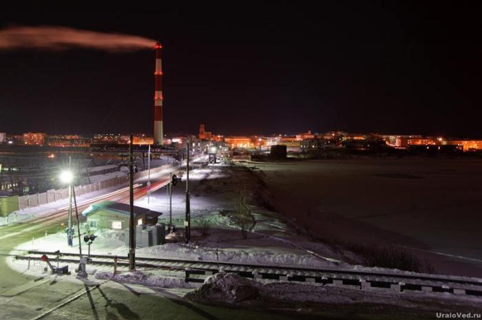 Вид от здания управляющего заводом