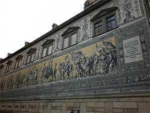 Фюрстенцуг в Дрездене