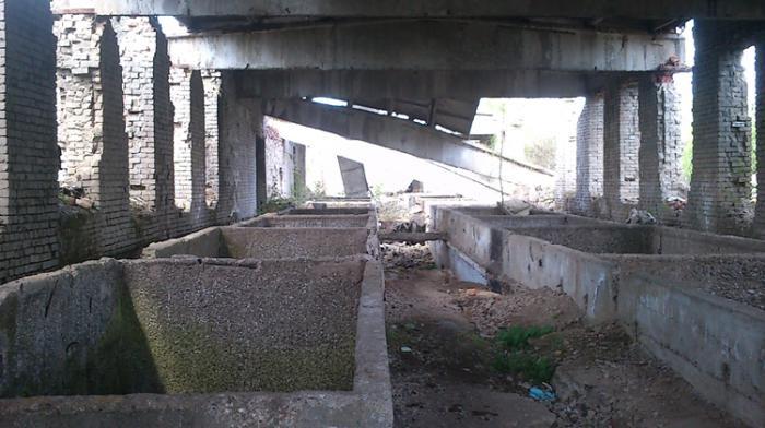Заброшенный завод по переработке льна