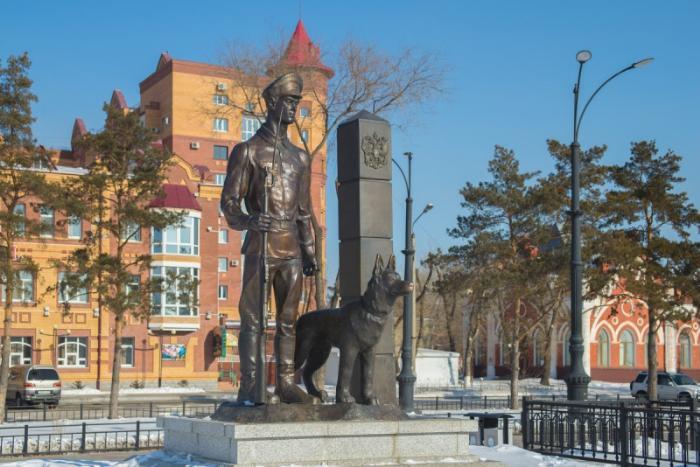 Памятник пограничнику, Благовещенск