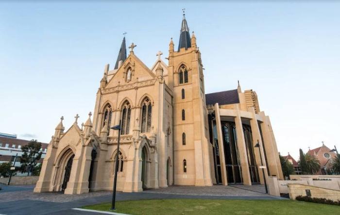 Католический Кафедральный собор в Перте