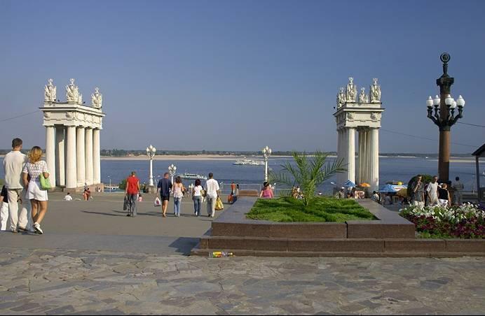 Центральная набережная Волгоград достопримечательности фото