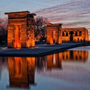 Храм Дебод в Мадриде