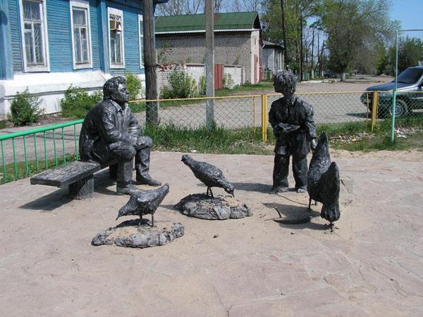 Памятник героям повести Шолохова Судьба человека, Урюпинск