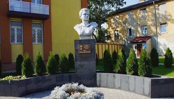 Бюст Зои Космодемьянской