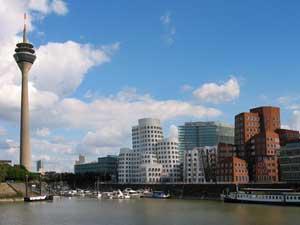 Медийная гавань в Дюссельдорфе