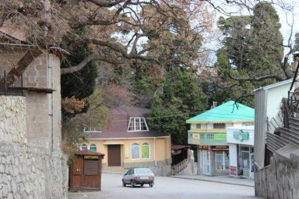 Отдых и проживание в Алупке