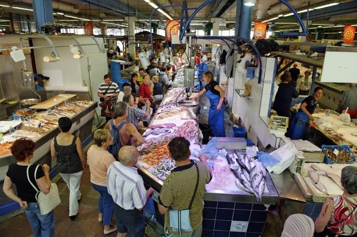 Рынок в городе Сет