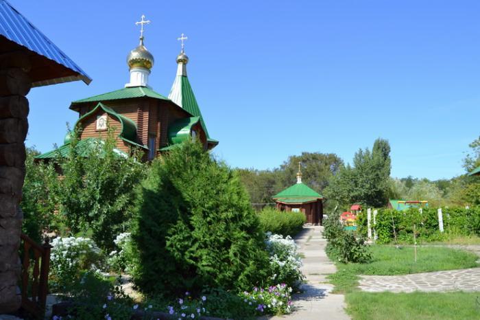 Храм Святой Живоначальной Троицы. Дубовка