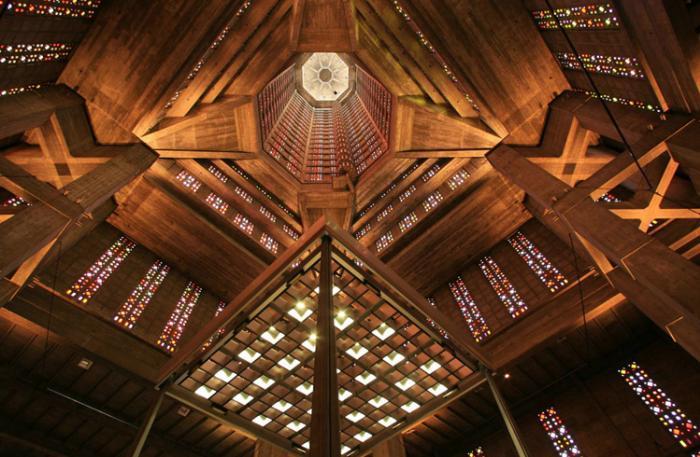 Внутри церкви Сен-Жозеф