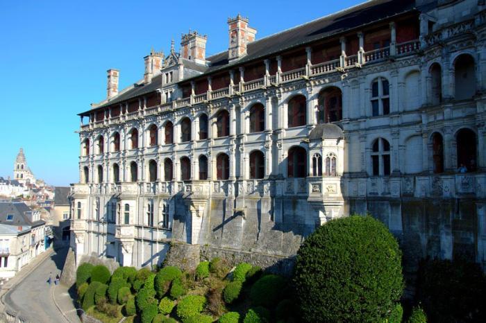 Замок Блуа во Франции