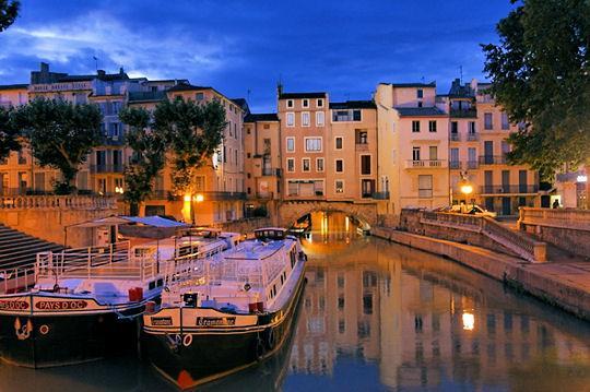 Участок канала Canal du Midi (в списке ЮНЕСКО во Франции) под названием Canal de la Robine, Нарбонна