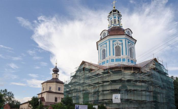 ансамбль двух церквей - Никольской и Покровской