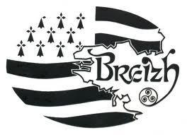 Бретонский флаг и трискель