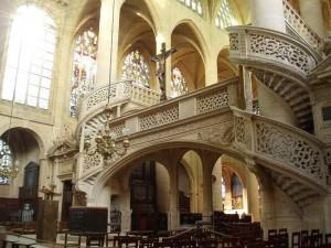Церковь Сент-Этьенн-дю-Мон в Париже