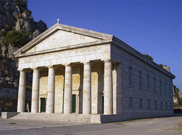 Еще одна достопримечательность острова Корфу - церковь Святого Георгия
