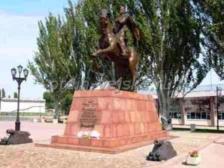 памятники Ейска граф Воронцов