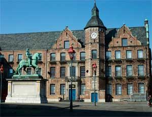 Альтштадт - одна из главных достопримечательностей Дюссельдорфа